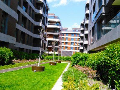 Koru Florya Rezidans peyzaj bahçe alanı