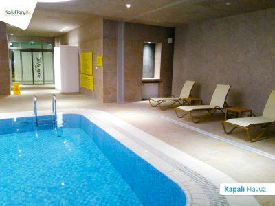 Koru Florya Rezidans kapalı havuz
